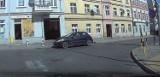 Problemy kierowców na skrzyżowaniu Kalinkowa/Brzeźna/ Nie stosują się do znaków