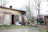 Pożar przy Elektrycznej w Głogowie. Płonęły pomieszczenia należące do kolei