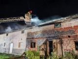 Pożar w gminie Mieścisko. Z ogniem walczyło 16 zastępów straży pożarnej