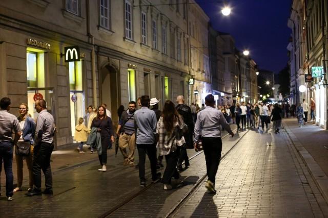 Jedna z klubowych ulic Krakowa znów tętni życiem