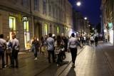 Imprezowa ulica Szewska wróciła do życia. Zapełnione kluby, kawiarnie i bary