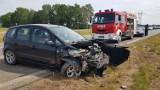 Samochód uderzył w barierki. Utrudniania na drodze S7 w miejscowości Cedry Małe [ZDJĘCIA]