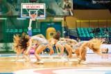 WKS Śląsk Wrocław – Polfarmex Kutno [zdjęcia]. Pokaz sportowych umiejętności i tańca cheerleaderek