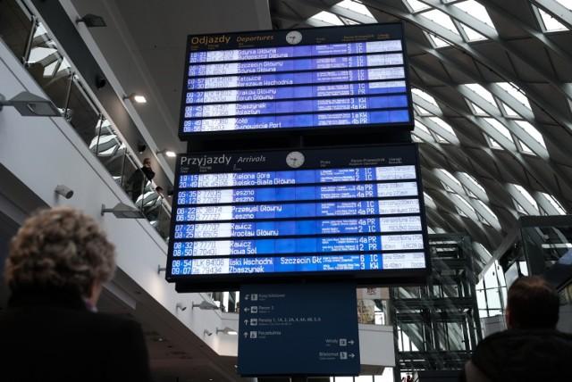 Podróżni muszą liczyć się z utrudnieniami