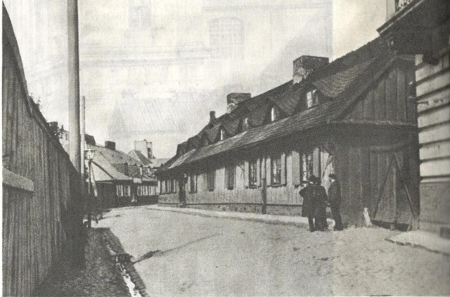 Ulica Rybaki przed rokiem 1939.  Dzisiaj w tym rejonie znajduje się Park Fontann.