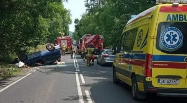 Wypadek w Podzamczu na drodze 790.