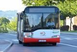 Jastrzębie: wypadek w autobusie komunikacji miejskiej. 72-latka złamała nogę. Zawinił kierowca osobówki? Policja bada sprawę