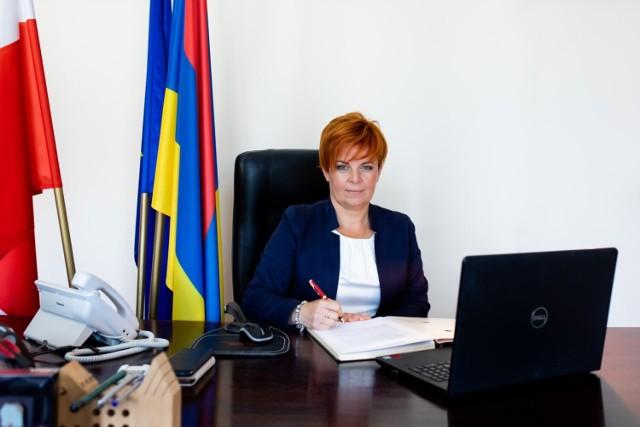 Burmistrz Cieszyna Gabriela Staszkiewicz zachęca do zaszczepienia się przeciwko COVID-19