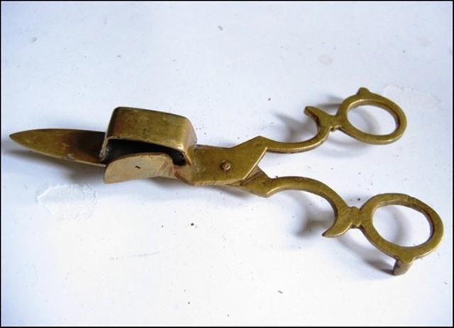 Nożyczki do obcinania knotów w świecach