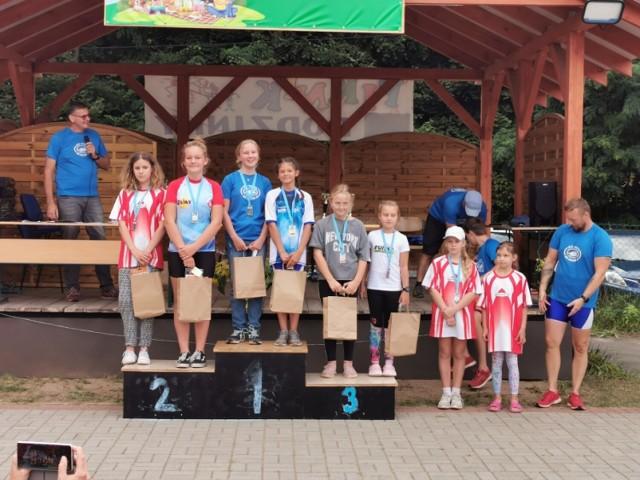 Zawodnicy i zawodniczki UKS Pamiątkowo zdobyli w 23 wyścigach aż 6 medali!
