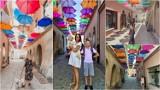 """Tarnów. """"Umbrella Sky"""" na Piekarskiej wizytówką Tarnowa na Instagramie. Kolorowe parasolki przyciągają jak magnes [ZDJĘCIA]"""
