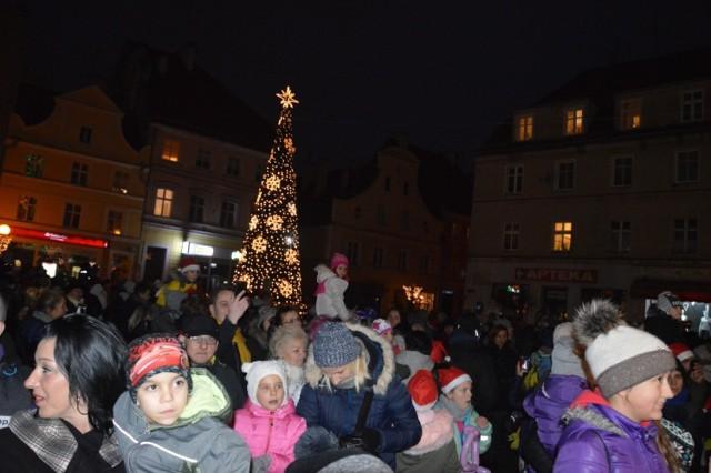 To już dziewiąta świąteczna iluminacja Brzegu.