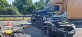 Wypadek na węźle Kowale. Trzy osoby ranne. Utrudnienia na drodze