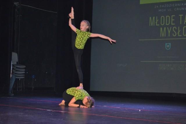 Uczniowie w konkursie Młode Talenty Mysłowic zaprezentowali się na scenie w Mysłowickim Ośrodku Kultury