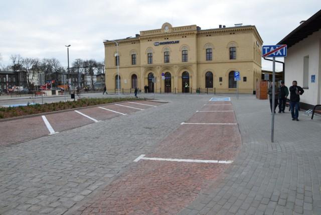 Lata temu pociągi ze Żnina kursowały regularnie do stacji Inowrocław. Korzystała z nich m. in. młodzież uczęszczająca do szkół w Inowrocławiu