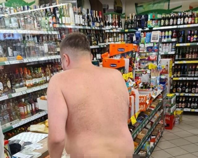 Prokurator ze Świdnicy nago spacerował po mieście, poszedł nawet na zakupy. Trudno będzie mu wybrnąć z tej sytuacji, bo o sprawie napisały niemal wszystkie ogólnopolskie media, a zdjęcia 38-letniego golasa krążą w internecie.