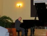 Koncert fortepianowy prof. Andrzeja Stefańskiego w auli Szkoły Podstawowej nr 5 w Krotoszynie [ZAPROSZENIE]