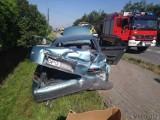 W podopolskich Lędzinach volkswagen transporter uderzył w tył audi A6. Jedna osoba jest ranna. Trafiła do szpitala