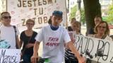 Rajd po życie córki. Mikołaj Drożdżyński dla chorej córeczki przejechał 430 km w 36 godzin na rowerze. Był gościem Dzień Dobry TVN