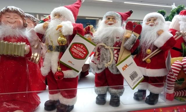 Mikołaje, bombki, świąteczne światełka i słodkości. Wszystko to juz teraz można kupić w gorlickich sklepach sieciowych