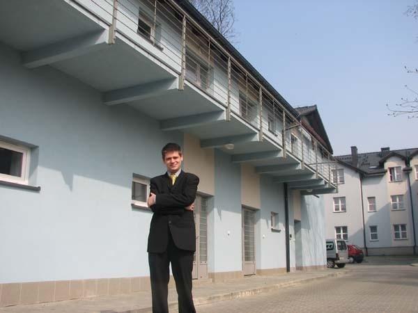 W mieszkaniach socjalnych rodzice z dziećmi mogą mieszkać przez trzy lata - twierdzi Wojciech Maćkowski
