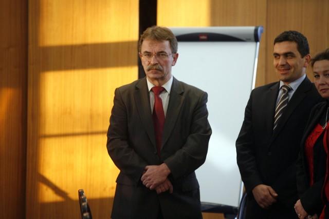 Od lewej: Tadeusz Kielan, starosta i Krzysztof Maj, jego zastępca