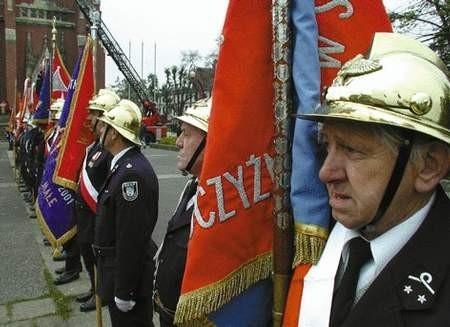 Na zaproszenie częstochowskich strażaków ochotników przybyły na odprawę zaprzyjaźnione jednostki.
