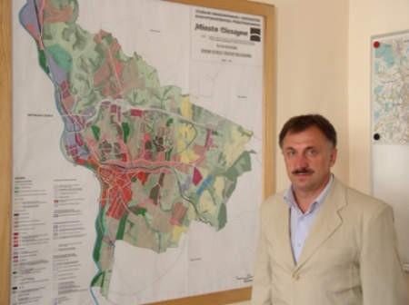 Bloki, na budowę których opracowaliśmy specjalny program, według założeń zlokalizowane mają zostać w trzech różnych częściach miasta – wyjaśnia Włodzimierz Cybulski. fot. Ł. Gardas