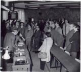 I LO Gniezno. Tak szkołę budowano. Fantastyczne historyczne zdjęcia z lat 1960-1980. Na nich Jaruzelski!