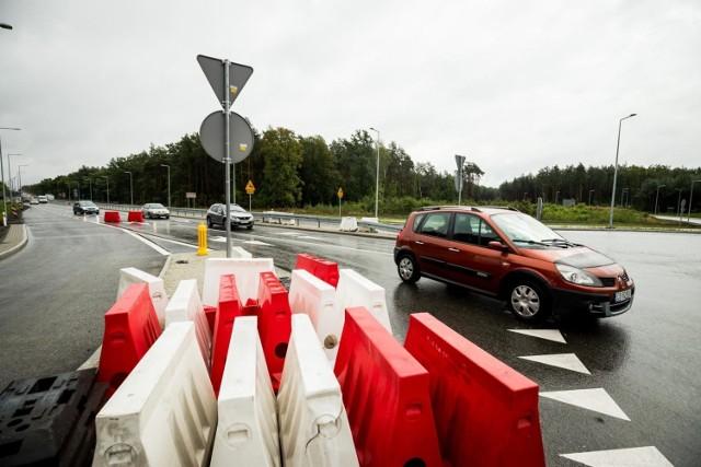 Nowe turbinowe rondo w Bydgoszczy znacznie ułatwi wyjazd od strony bydgoskiego osiedla Miedzyń i zwiększy bezpieczeństwo pieszych, rowerzystów i kierowców  Zobacz kolejne zdjęcia >>