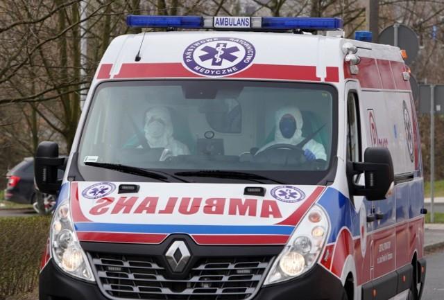 Prokuratura zbada czy lekarze z Krotoszyna mogli popełnić przestępstwo transportując dwóch pacjentów (jak się później okazało z koronawirusem) na odział paliatywny w Pleszewie.