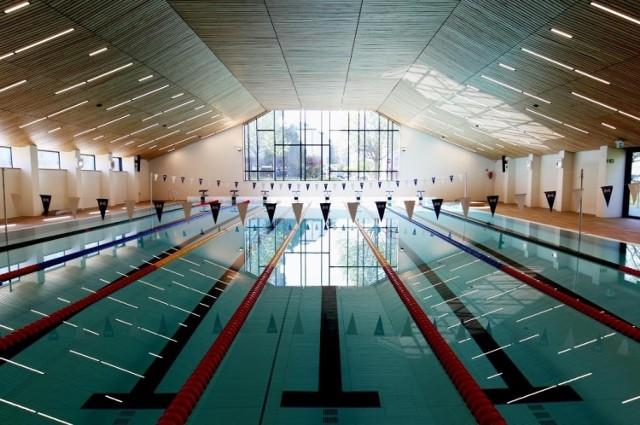 Nowy basen przy ul. Eisenberga ma zostać otwarty w drugiej połowie sierpnia 2021 roku.