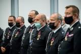 Odznaczenia dla strażaków z Kujawsko-Pomorskiego, vouchery dla jednostek OSP. Zobacz zdjęcia