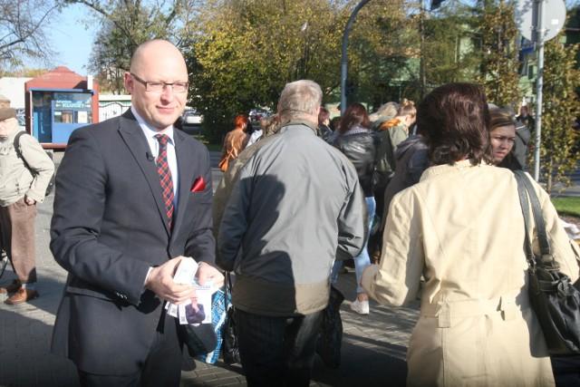 Wybory samorządowe w Rybniku: Piotr Masłowski rozdaje masło