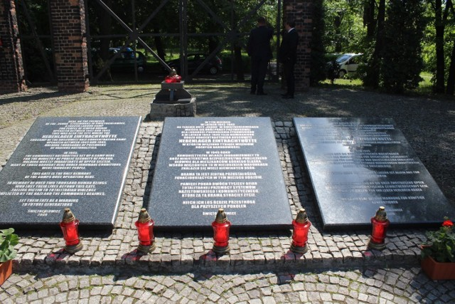 Tablica przed Obozem Zgoda w Świętochłowicach