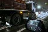Fatalne warunki na drogach w regionie. Jest bardzo ślisko. Wypadek na A4 w Katowicach sparaliżował ruch na trasie na kilka godzin