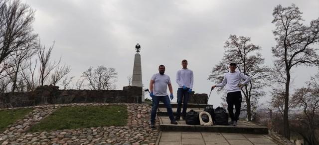 Rejon wokół Pomnika Poległych Obrońców Wisły 1920 został posprzątany