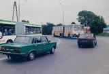 Białystok na drogach w latach 90. Takimi samochodami jeździli białostoczanie 20-30 lat temu. Zobacz jak zmieniła się motoryzacja