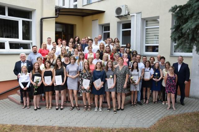 Stypendia dla uzdolnionej młodzieży z gminy Czerniejewo