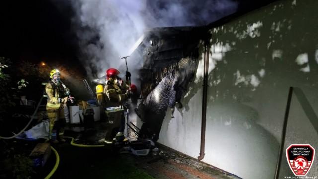 Pożar domu na Metalowcu oraz poszukiwania niepełnoletniej kobiety - weekendowe akcje strażaków z Chojnic i okolic