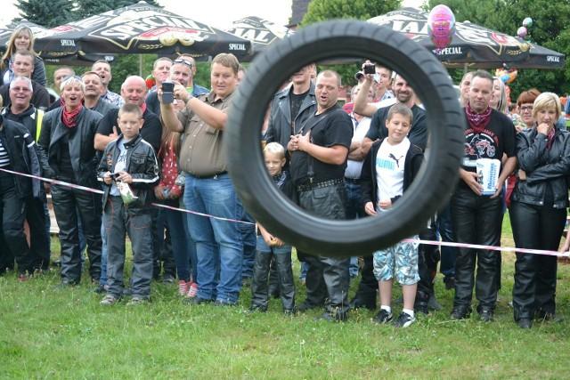 Zabawy dla dzieci, konkursy dla motocyklistów, dobra muzyka i parada jednośladów - oto Moto Folk 2013 w Parchowie