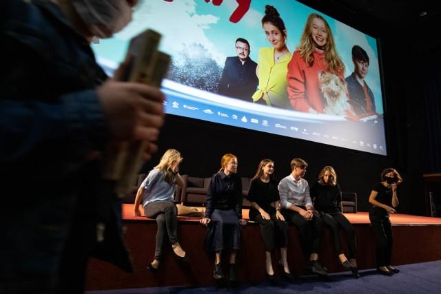Podczas regionalnej premiery w kinie Helios w Rzeszowie pojawili się autorzy filmu oraz występujący w nim aktorzy.