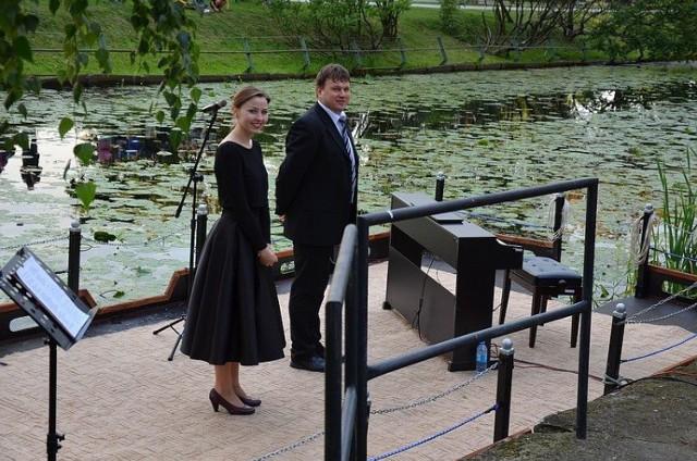 Ostaszewo. W niedzielę (22 listopada) w miejscowym Gminnym Domu Kultury i Sportu wystąpi duet muzyczny - Anna Federowicz oraz Tomasz Stroynowski.