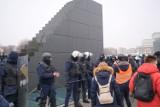 Strajk Kobiet. Policja podsumowuje niedzielny protest. Wśród zatrzymanych 78-letnia kobieta