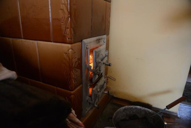 W ostatnich miesiącach 24 grudziądzan ukarali strażnicy miejscy za spalanie śmieci w domowych piecach