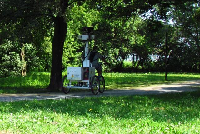 Ekipa Google w środę robiła zdjęcia w parku miejskim i na bulwarze spacerowo-rowerowym w Chełmie.