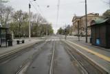 Pustki na ulicach Poznania w świąteczny poniedziałek. Zobacz, jak opustoszała stolica Wielkopolski [ZDJĘCIA]