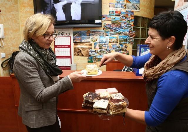 Kiermasz ciast w Szansie w Piotrkowie