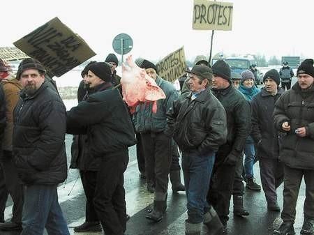 Rolnicy i związkowcy z Huty Częstochowa połączyli siły. Foto: KATARZYNA WRZALIK