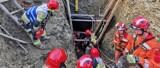 Dwie osoby przysypane ziemią podczas kopania studni w Ujsołach na Żywiecczyźnie. Zginął 36-letni mężczyzna